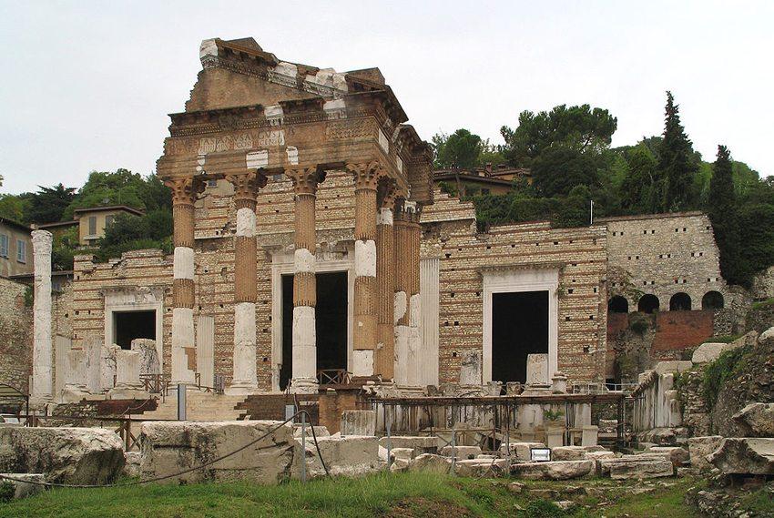 Der kapitolinische Tempel in Brescia (Bild: Manfred Heyde, Wikimedia, GNU)