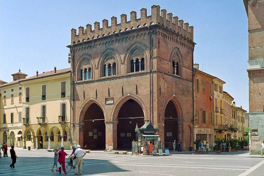 Loggia die Militi in Cremona (Bild: David Nicholls, Wikimedia, CC)