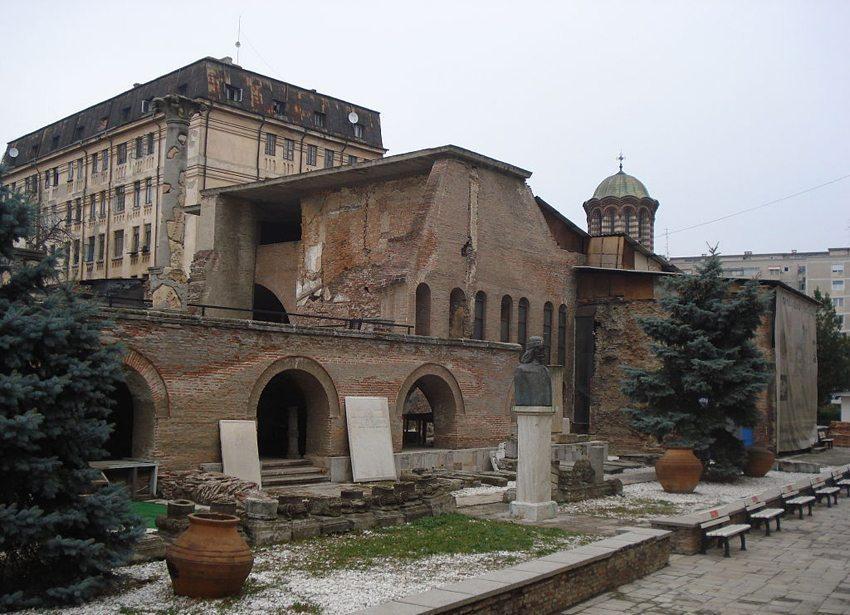 Curtea Veche – Wohnsitz des Vlad III in Bukarest (Bild: Mpescador, Wikimedia, CC)