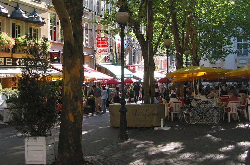Place d'Armes in Luxembourg (Bild: Wolfgang Stuck, Wikimedia)