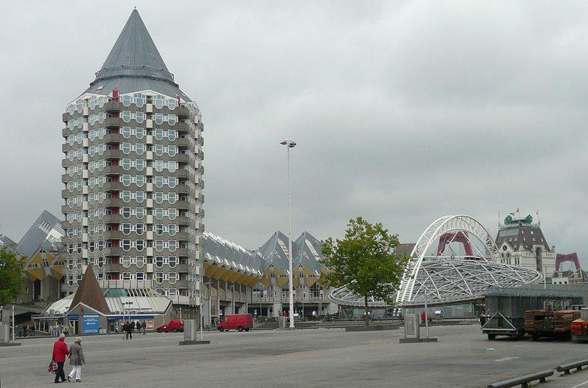 Kubushäuser in Rotterdam (Bild: Raenmaen, Wikimedia, GNU)