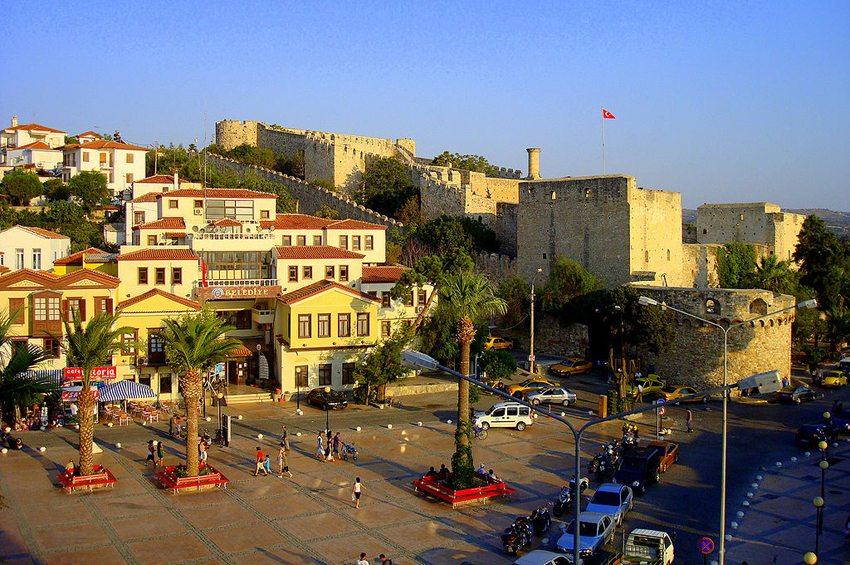 Historische Burg von Cesme (Bild: OscarKosy, Wikimedia, CC)