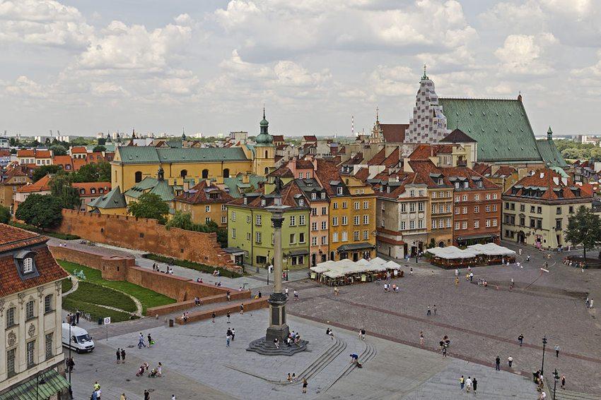 Wiedererrichtete Altstadt (Bild: A.Savin, Wikimedia, CC)