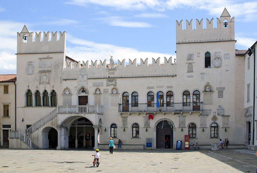 Prätorenpalast in Koper (Bild: Earnest B, Wikimedia, CC)