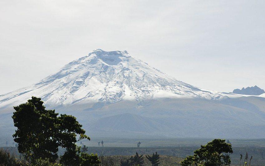 Vulkan Cotopaxi in Ecuador (Bild: Dr. Carlos Costales Terán, Wikimedia, CC)
