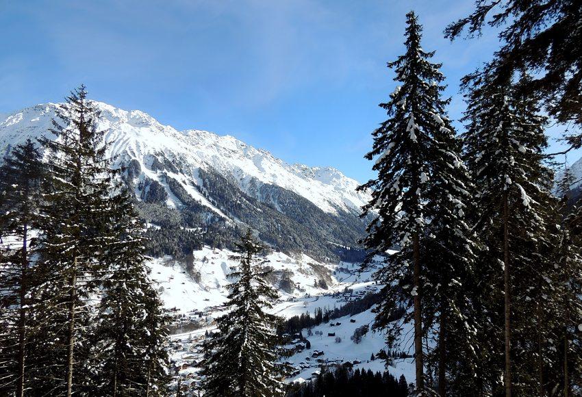 Klosters-Serneus im Winter (Bild: Katharina Wieland Müller  / pixelio.de)