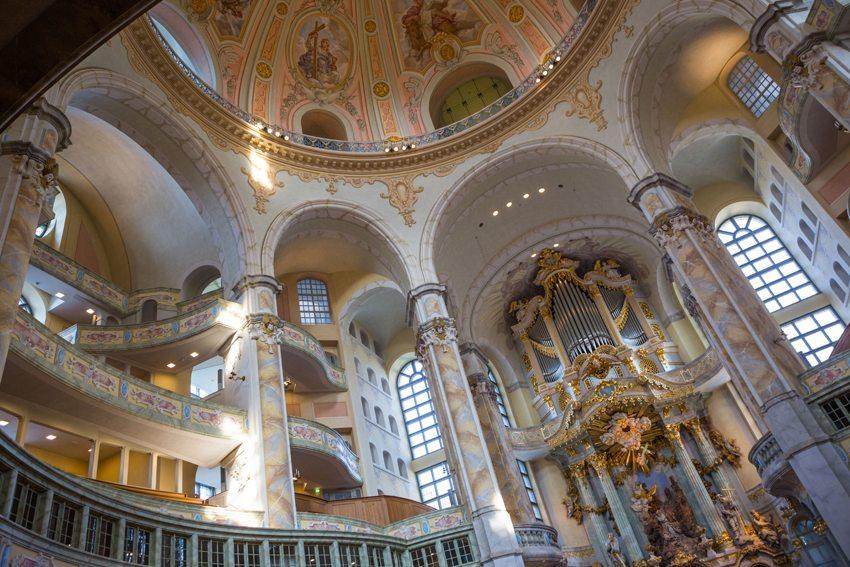 Frauenkirche in Dresden – Innenansicht (Bild: Rainer Sturm  / pixelio.de)