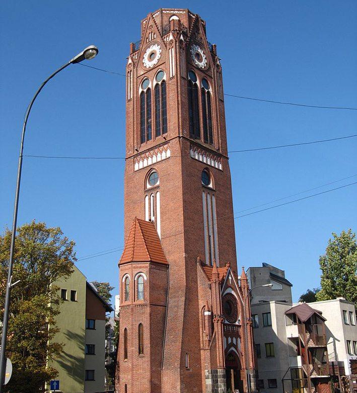 Turm der im Zweiten Weltkrieg zerstörten Lutherkirche in Swinemünde (Bild: Monika, Wikimedia)