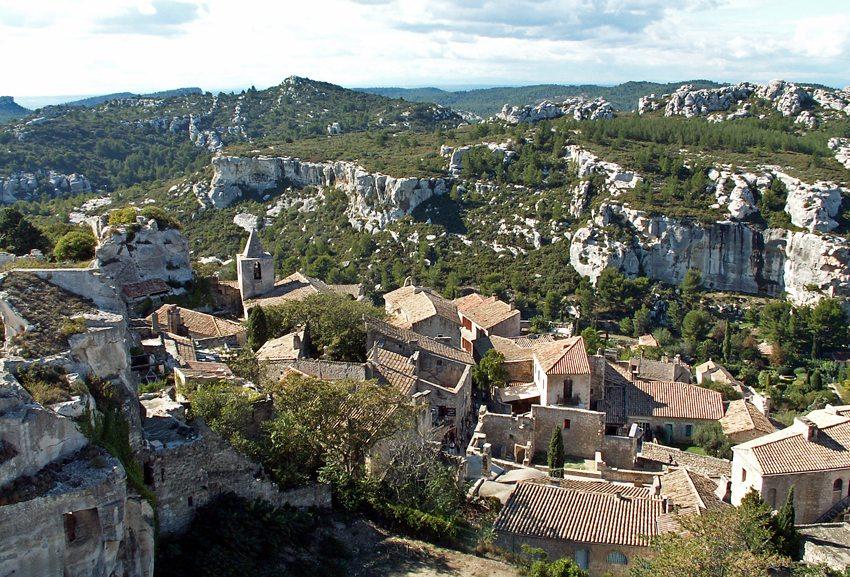 Blick über Les Baux in Camargue (Bild: Alexander Bartl  / pixelio.de)