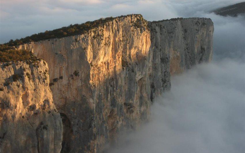 Morgennebel in der Verdon-Schlucht (Bild: Christophe Bordieu, Wikimedia, CC)