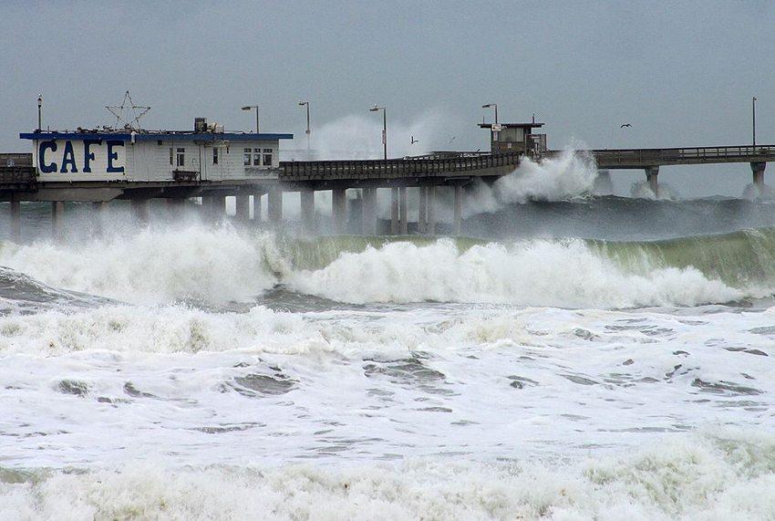 Ocean Beach, San Diego – Auswirkungen  von El Niño im Dezember 2002, (Bild: PDPhoto.org, Wikimedia)