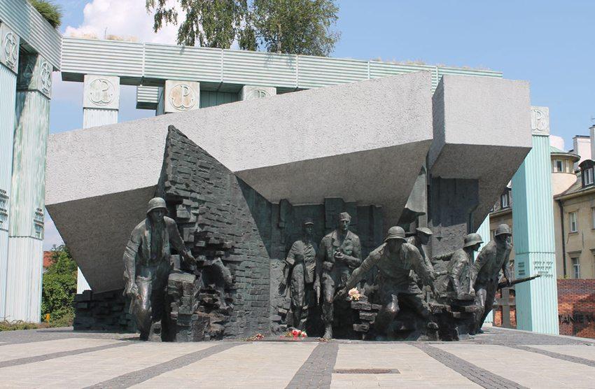 Denkmal des Warschauer Aufstandes 1944 (Bild: DavidConFran, Wikimedia, CC)