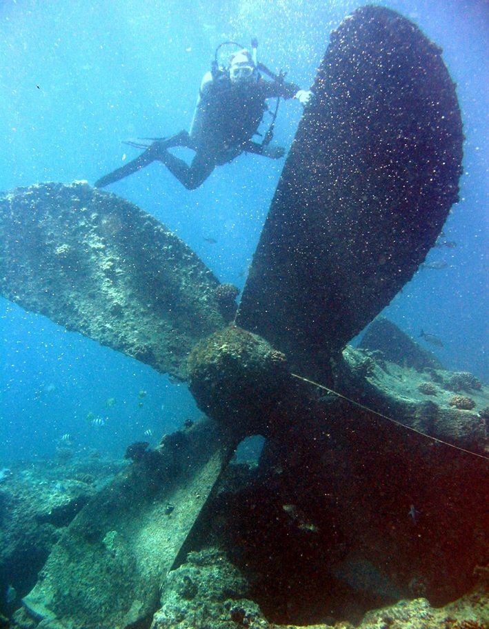 Wracktauchen in der Chuuk-Lagune im Pazifischen Ozean (Bild: Dr. Dwayne Meadows, Wikimedia, CC)
