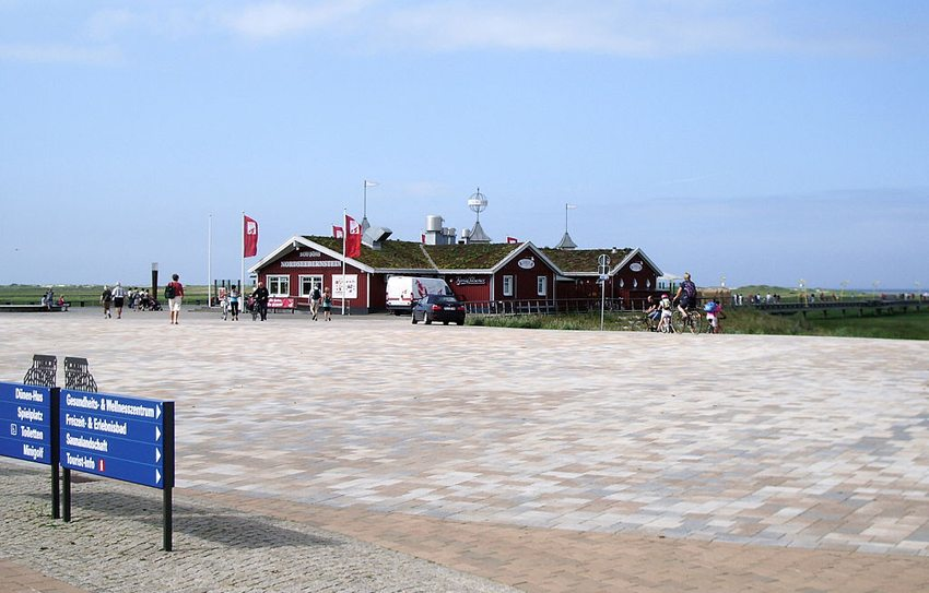 """Das Restaurant """"Gosch"""" in Sankt Peter-Ording (Bild: Frank Schwichtenberg, Wikimedia, GNU)"""