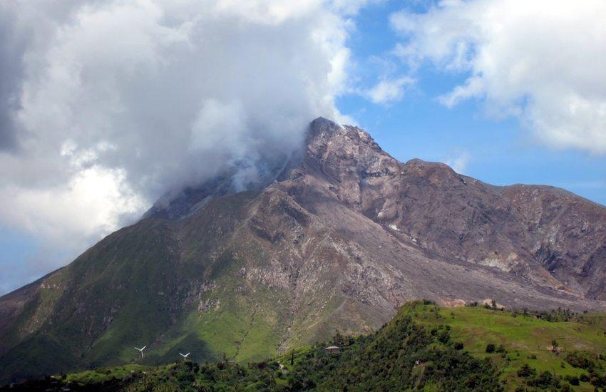 Auf Montserrat sind die Soufrière Hills noch aktiv. (Bild: David Stanley, Wikimedia, CC)