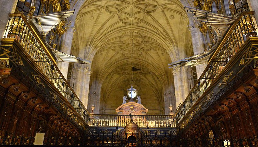 Orgelzwillinge in der Kathedrale von Almería (Bild: Elenaguiadealmeria, Wikimedia, CC)
