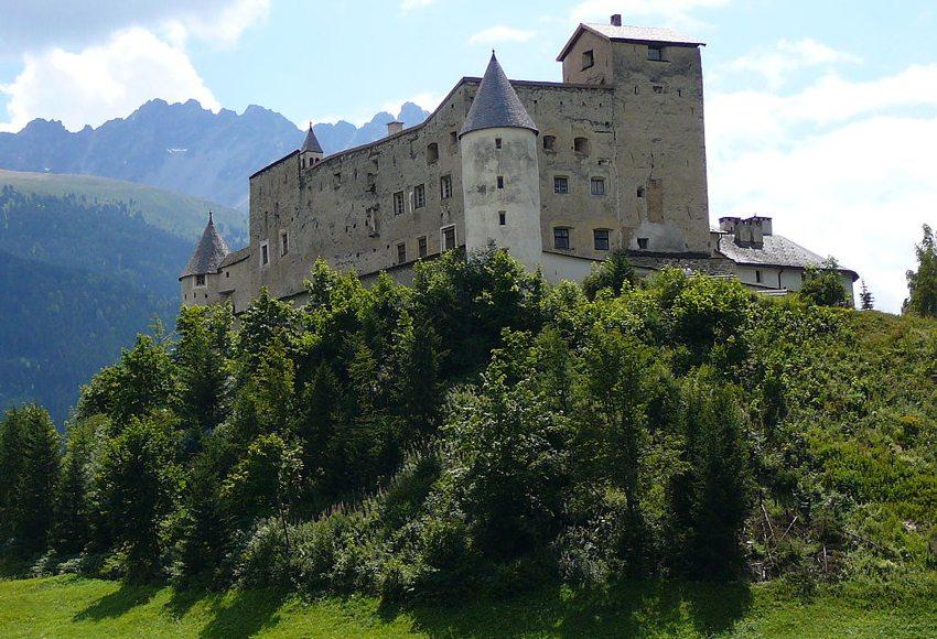 Schloss Naudersberg (Bild: Llorenzi, Wikimedia, CC)