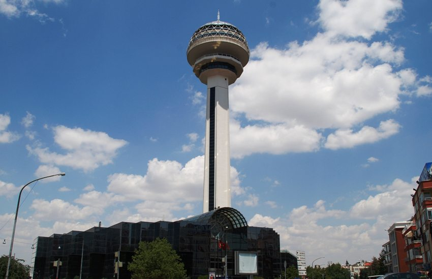 Atakule-Fernsehturm in Ankara (Bild: Elelicht, Wikimedia, CC)