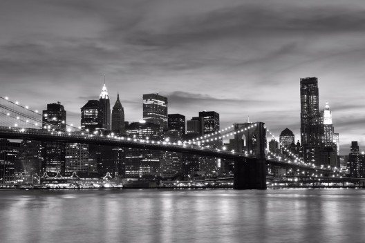 Skyline Manhattans in der Nacht (Bild: © Joshua Haviv - shutterstock.com)