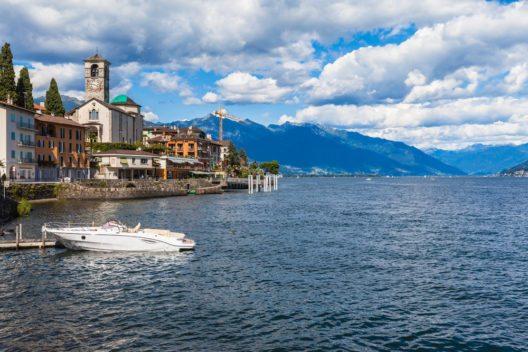 Die Brissago-Inseln gehören zum Schweizer Seebecken des Lago Maggiore. (Bild: © Vogel - shutterstock.com)