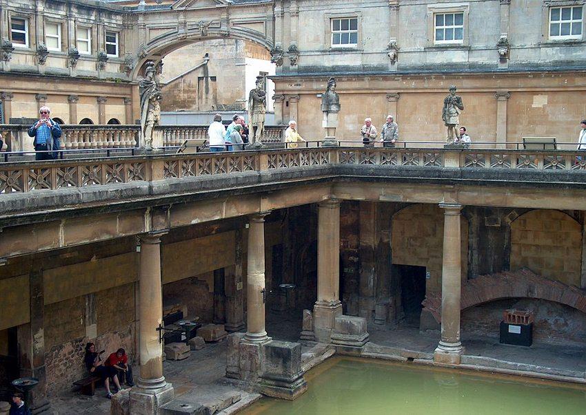 Das römische Bad in Bath (Bild: Guenter Wieschendahl, Wikimedia)