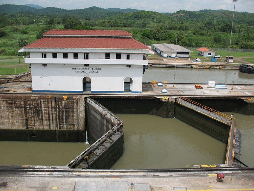 Mirasflores-Schleusen am Panamakanal (Bild: Elemaki, Wikimedia, CC)