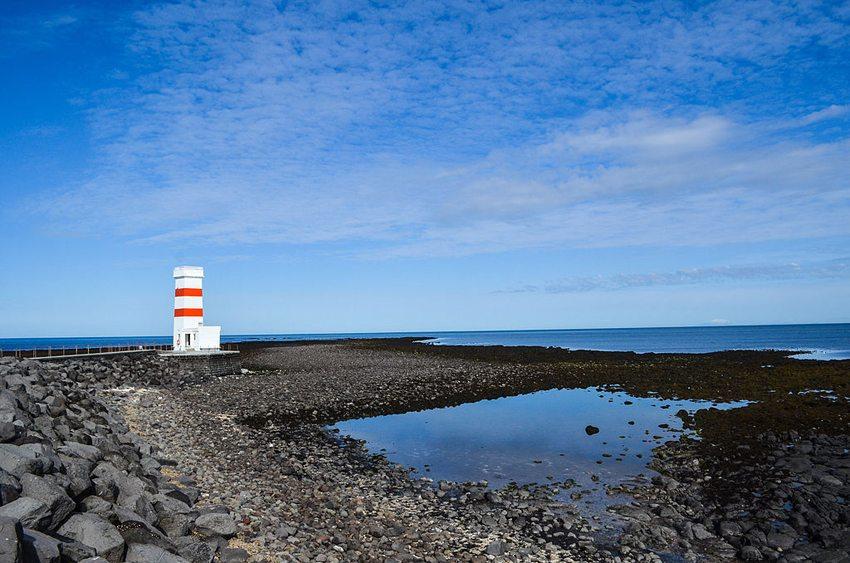 Leuchturm in Reykjanes (Bild: j-b.d, Wikimedia, CC)