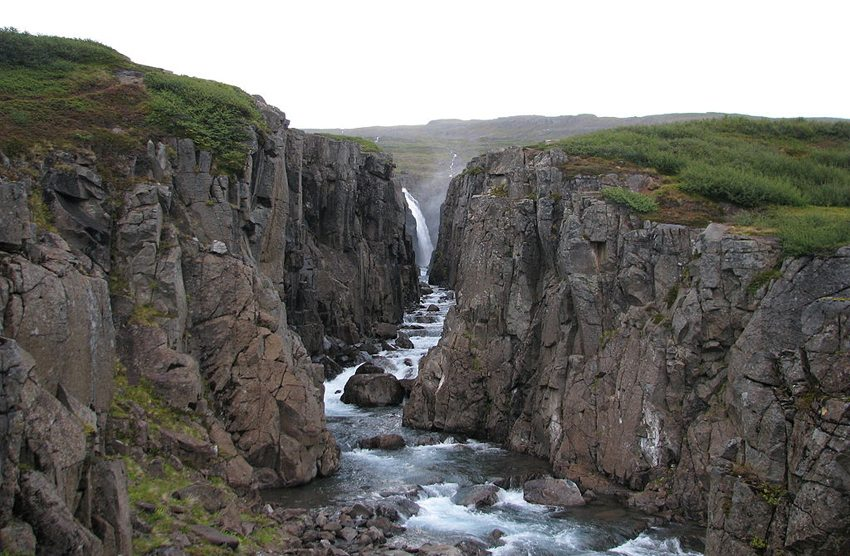 Wasserfall Godafoss in der Westfjorde (Bild: Bromr, Wikimedia, CC)