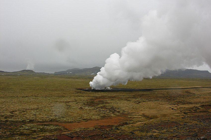 Hellisheiði Geothermal Plant (Bild: Hansueli Krapf, Wikimedia, CC)