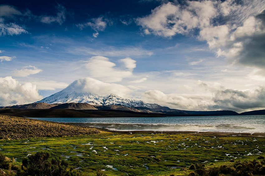 Der Lago Chungará in Chile (Bild: Davide guallini, Wikimedia, CC)