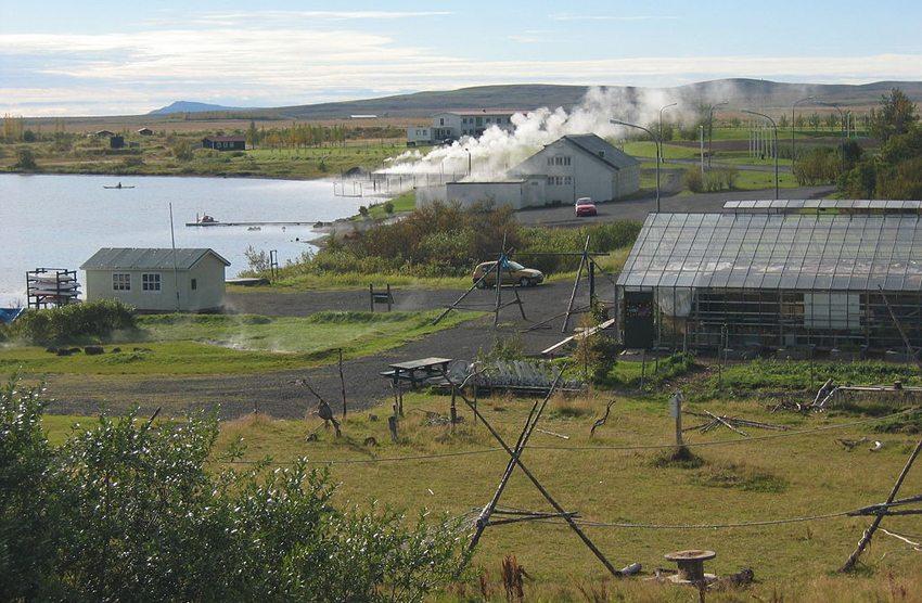 Laugarvatn – Dampfbad und Gewächshäuser (Bild: Salvör Gissurardóttir, Wikimedia, GNU)