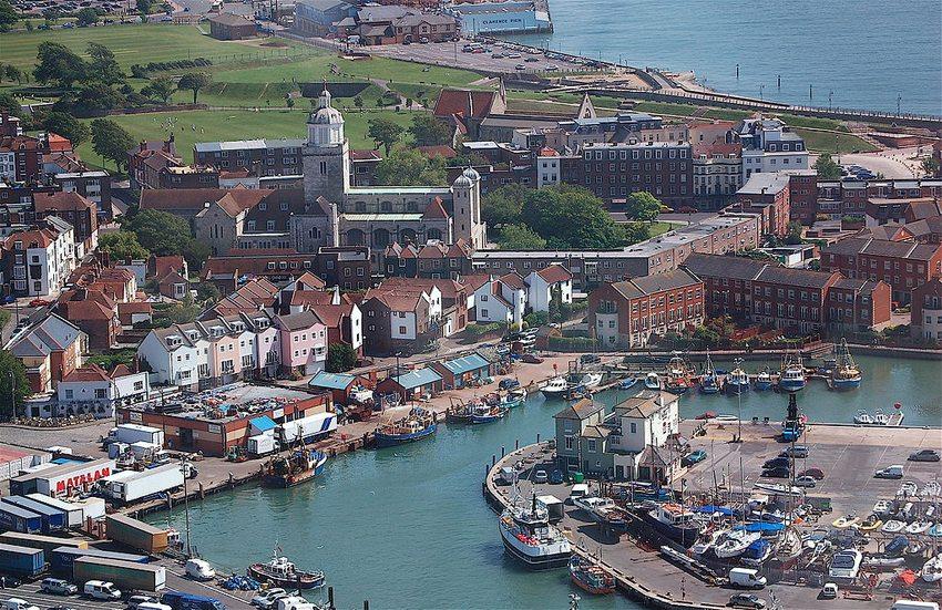 Hafen von Old Portsmouth (Bild: eNil, Wikimedia, CC)