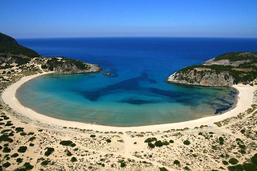 Der Strand Voidokilia auf dem Peloponnes (Bild: Grzontan, Wikimedia, CC)
