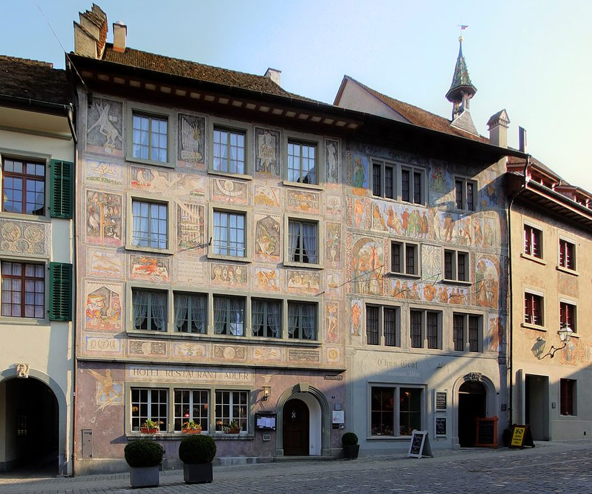 Stein am Rhein – Haus zum Weissen Adler und Hotel Restaurant Adler (Bild: Elke Wetzig, WIkimedia, CC)