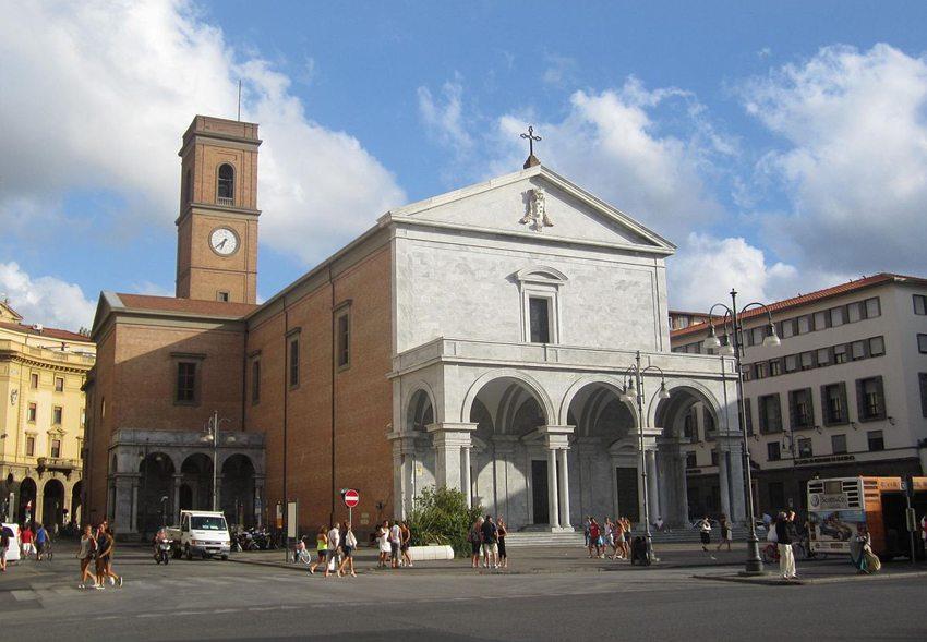 "Der ""Duomo San Francesco di Assisi"" in Livorno (Bild: Luca Aless, Wikimedia, CC)"