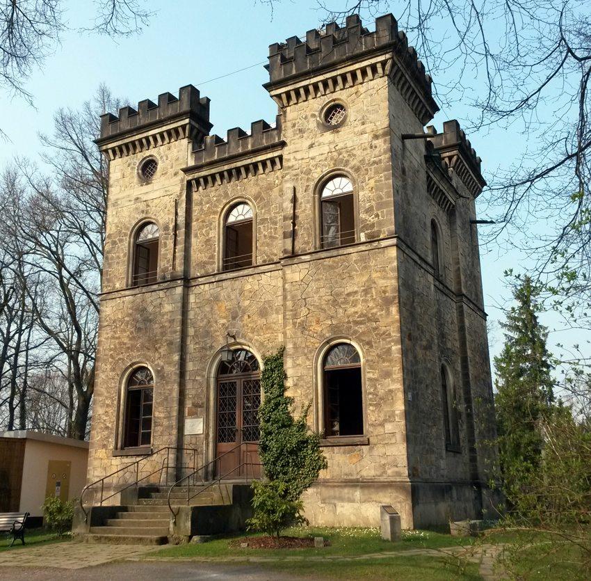 """Belvedere """"Schöne Höhe"""" in Elbersdorf bei Dresden (Bild: Gunnar Richter, WIkimedia, CC)"""