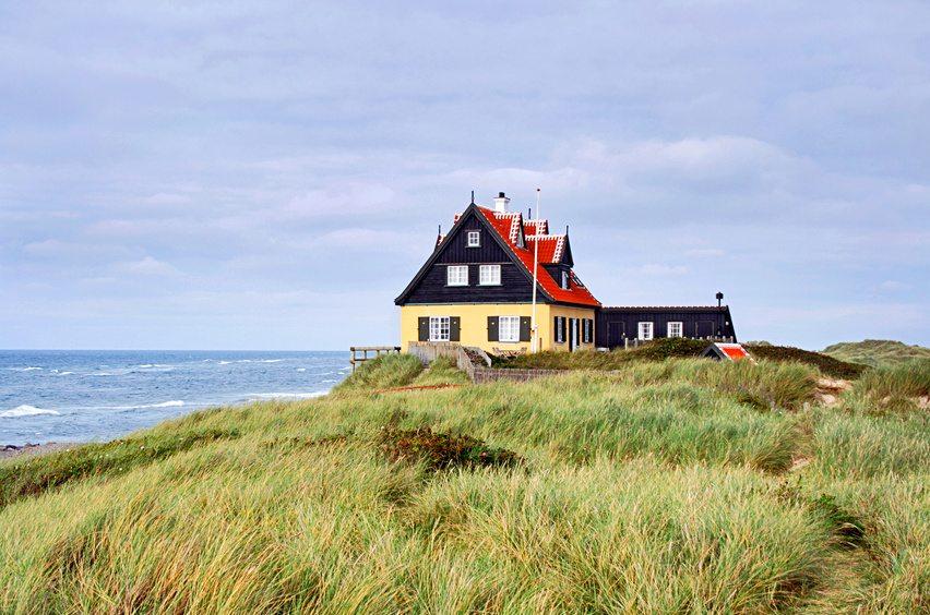 Sehr reizvoll ist auch die Ostseeküste (Bild: © thomaslerchphoto - fotolia.com)