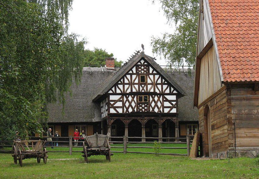 Das Freilichtmuseum in der Nähe von Olsztynek, Masuren (Bild: Zeitblick, Wikimedia, CC)