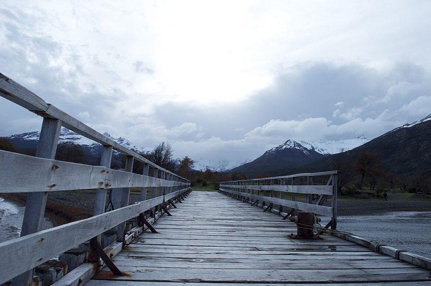Anlegebrücke am Seno de Última Esperanza (Bild: Lhormazabal, Wikimedia, CC)