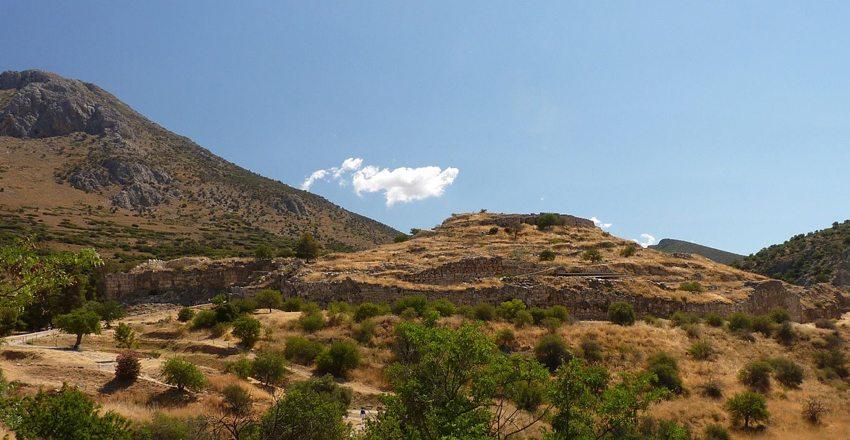 Die Reste der Stadt Mykene auf dem Peloponnes (Bild: Ploync, Wikimedia, CC)