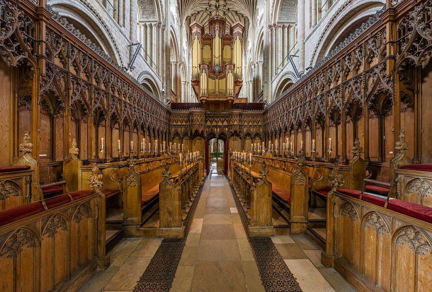 Die Kathedrale von Norwich – Innenansicht (Bild: Diliff, WIkimedia, CC)