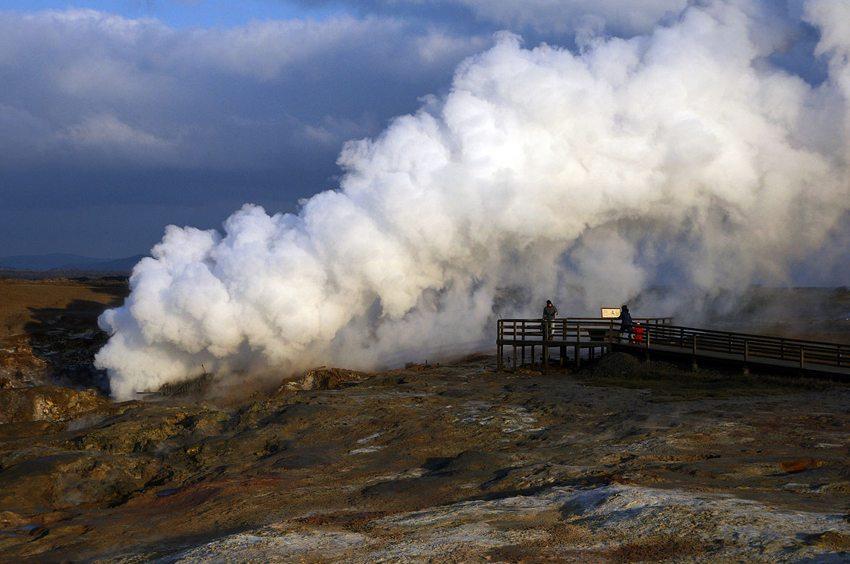 In Reykjanes sind fast alle Naturphänomene von Island in komprimierter Form zu finden. (Bild: Milan Nykodym, Wikimedia, CC)