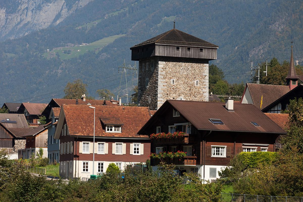 Silenen Dörfli mit Turm der Edlen (Bild: © Roland Zumbuehl - CC BY-SA 3.0)