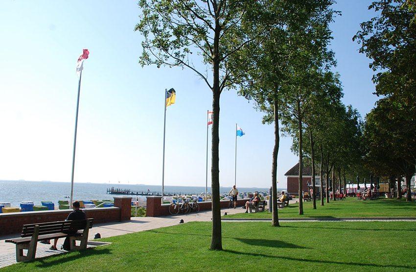 Sandwall in Wyk auf Föhr (Bild: Alice Volkwardsen, Wikimedia, GNU)