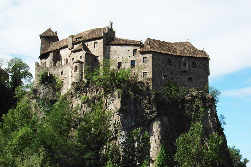 Aussenansicht vom Schloss Runkelstein (Bild: sailko, Wikimedia, CC)