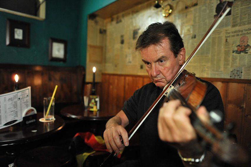 Fiddel – eines der wichtigsten Instrumente des Irish Folk (Bild: Hinnerk R, Wikimedia, CC)