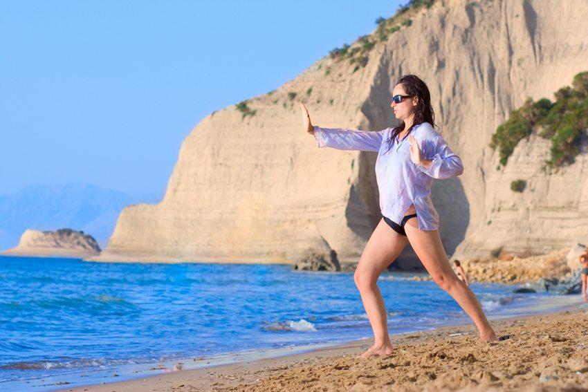 Yoga-Ferien in Griechenland (Bild: Ljupco Smokovski / Shutterstock.com)