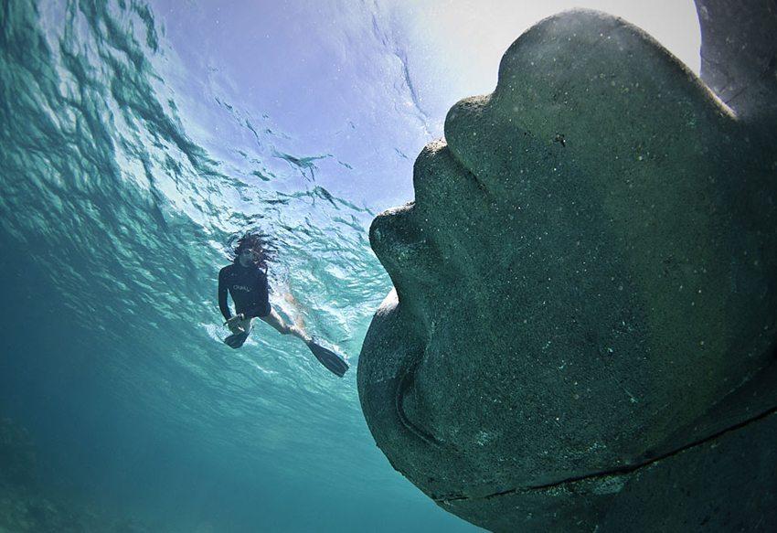 Die Statue wurde von der göttlichen Sage des Atlas inspiriert (Bild: Jason deCaires Taylor)