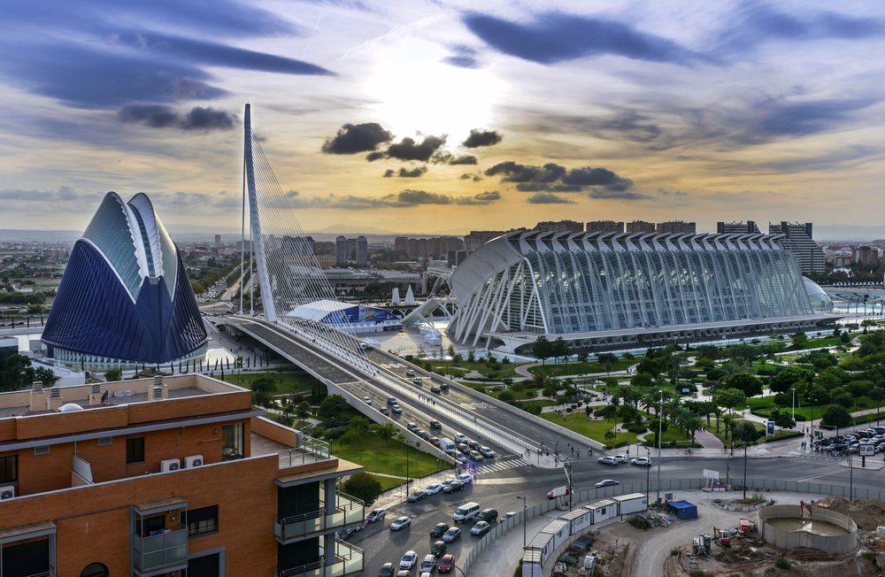 Valencia, einer der MotoGP-Austragungsorte, bietet aufregende Entdeckungen. (Bild: © Fotomicar - shutterstock.com)
