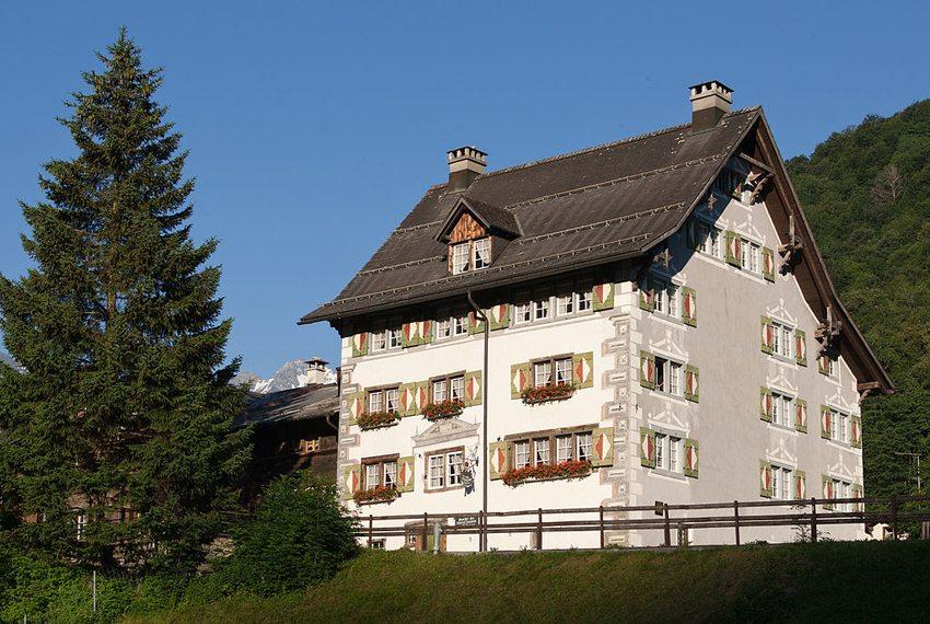 Suworowhaus in Elm (Bild: Roland Zumbuehl, Wikimedia, CC)